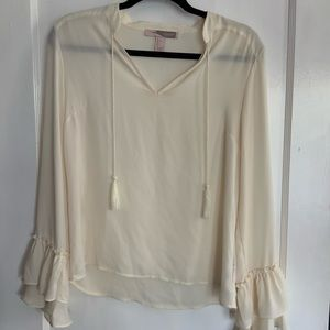 Forever 21 cream top with frilly sleeves